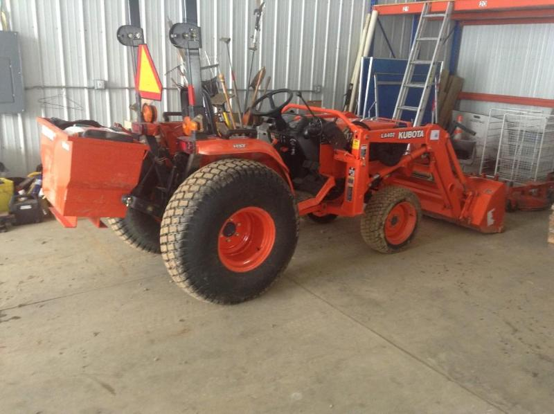 Kubota Ballast Box : Hobby farm moving sale k bid