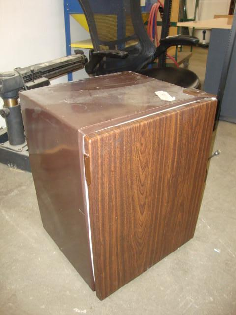 kenmore mini fridge. kenmore mini fridge, model 564.9932| crate waconia #135 office, shop, \u0026 racking k-bid fridge