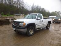 2001 GMC 2500 3/4 Ton 4 x 4 Pick Up...