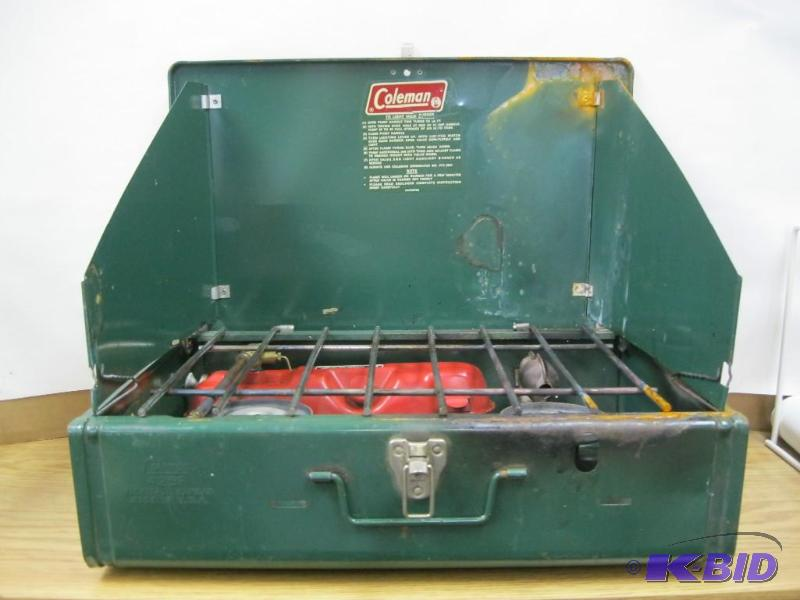 Vintage Coleman 425F Camping Stove     | #26 Collectibles