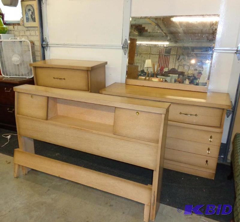 Mid-Century Ward Mfg Co Birch Formica Bedroom Set