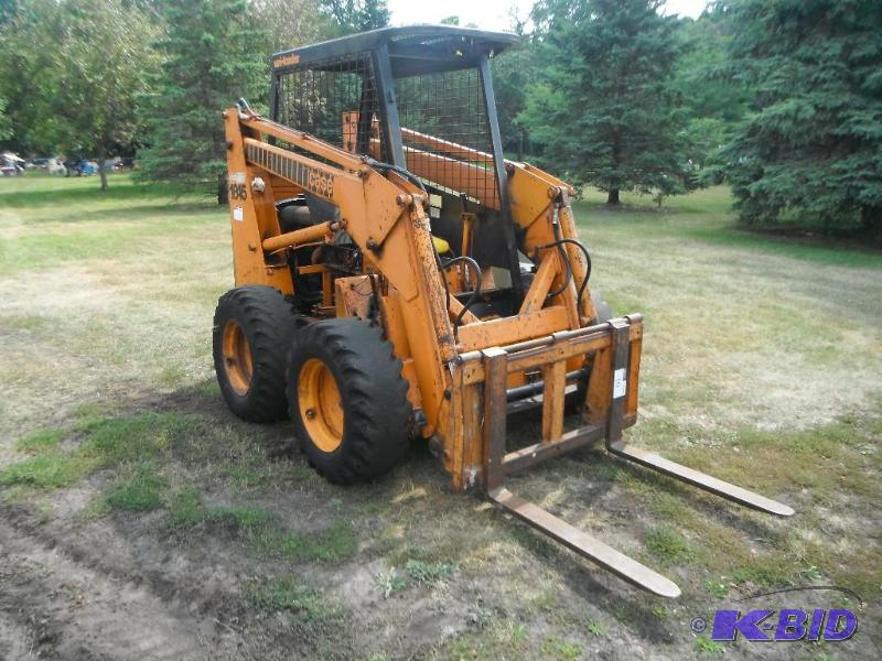 1982 CASE IH Skid Steer 1845, Gas Powere    | Andover
