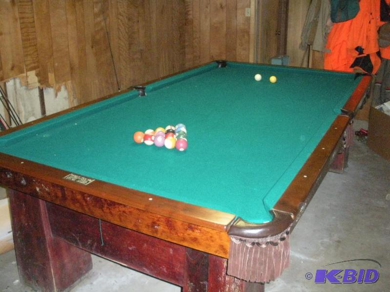 Superbe Vintage Pool Table (in Great Condition) | Vintage Pool Table (Great Shape)  And Other Vintage/Antiques | K BID