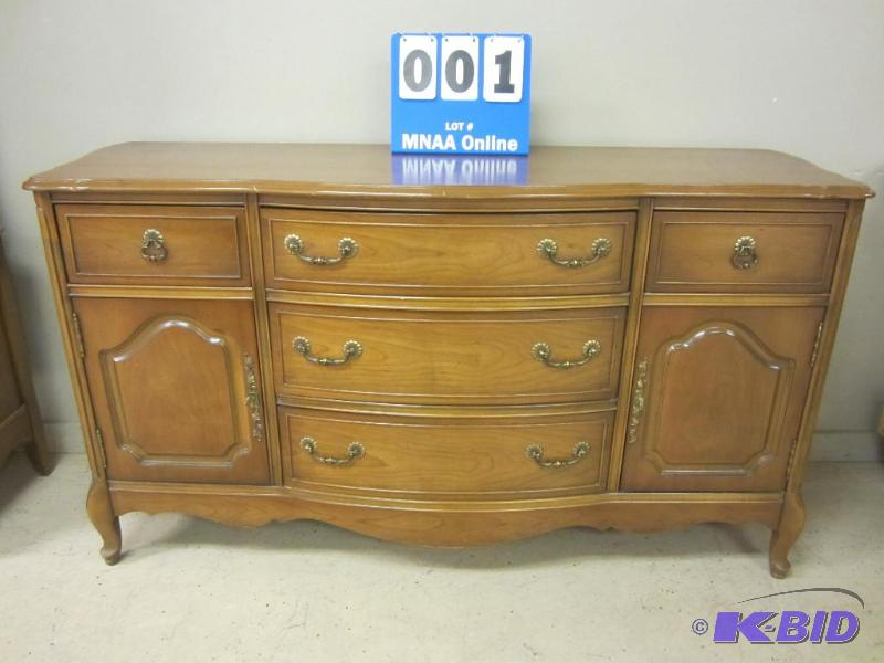 Vintage Bassett Furniture Buffet | October Antique And High End Furniture  And Collectibles | K BID