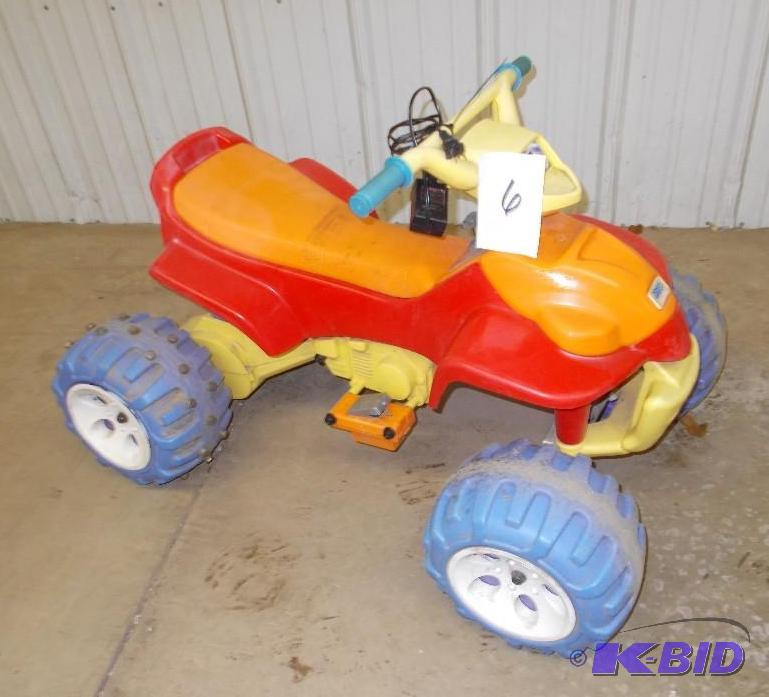 Fisher Price Power Wheels ATV/4 Wheeler Style    | Battery