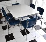 Retro looking chrome table and six chairs - 6...