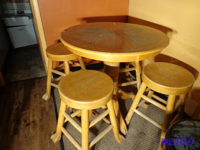 Groovy Claw Foot Wooden Table And 4 Stools 41Quot North Caraccident5 Cool Chair Designs And Ideas Caraccident5Info