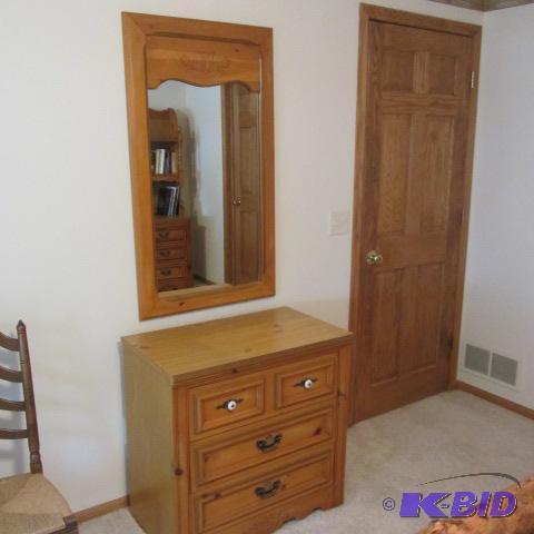 Young Hinkle Dresser U0026 Mirror | LINDSTROM LAKE HOME MOVING AUCTION | K BID