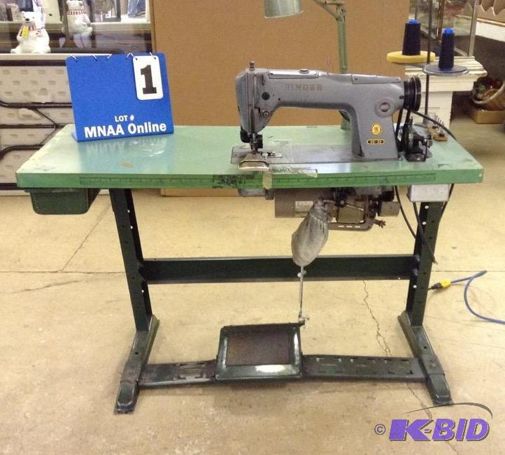 Industrial Singer 4040 Serger Machine With Table Industrial Cool Industrial Singer Sewing Machine