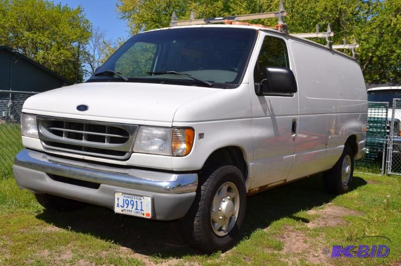 2000 white ford e350 cargo van triton v8 whiteford. Black Bedroom Furniture Sets. Home Design Ideas